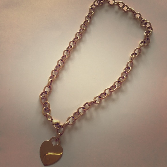 Bundle with Avon lotion 14K yellow gold necklace OS from